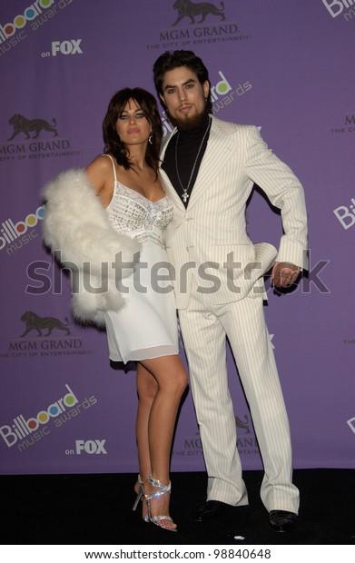 Carmen Electra Husband Dave Navarro 2003 Stock Photo Edit Now 98840648