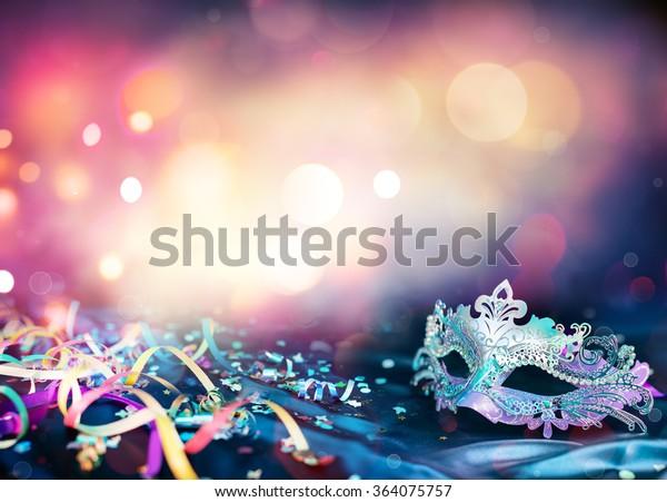 Foto Stock 364075757 A Tema Maschera Di Carnevale Stelle Filanti