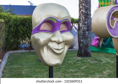 CARNIVALE MASK, GOLD COAST, AUSTRALIA-12th JANUARY 2019:-Carnivale celebrations with street performers, dancers, bands and fire twirlers.