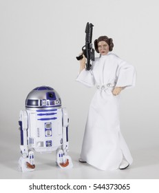 Carrie Fisher as Princess Leia Organa from Star Wars Episode IV A New Hope with R2-D2 played by Kenny Baker, both passed away in 2016 - Hasbro Black Series 6 inch figures