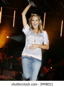 carrie underwood celebrity concert country music musician star vocalist