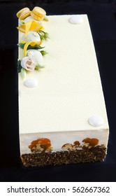 Carrot cake with caramelized walnuts