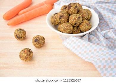 Carrot raisin oat energy balls