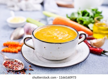 carrot soup in bowl, diet food, fresh soup