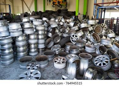 cars of junkyard