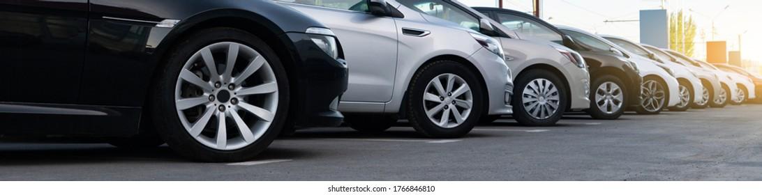 Autos in Folge. Gebrauchte Kfz-Verkäufe