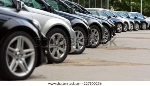 Autos zum Verkauf
