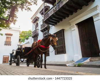 Cartagena city is a colonial port located on the northern coast of Colombia, in the caribbean coast region. This is a beautiful city well known around the world by its colonial architectural.