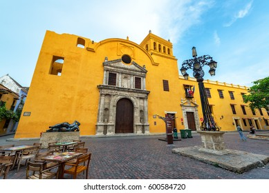 CARTAGENA, COLOMBIA - MAY 25: Santo Domingo plaza and church with a Fernando Botero statue in Cartagena, Colombia on May 25, 2016