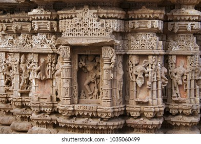 Carved idols on the outer wall of the Rudramala or the Rudra Mahalaya Temple. Sidhpur, Patan, Gujarat