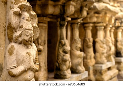 Carved sculpture in Kailasanath temple is the oldest temple of Kanchipuram. Located in Tamil Nadu