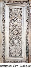 carved wooden door, traditional uzbek pattern
