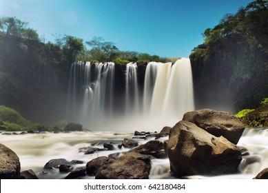 Cascada – Waterfall Salto de Eyipantla in Veracruz Mexico