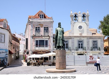 CASCAIS, PORTUGAL - MAY 28, 2012: Square with the monument to King Pedro