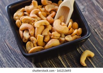 cashew with salt