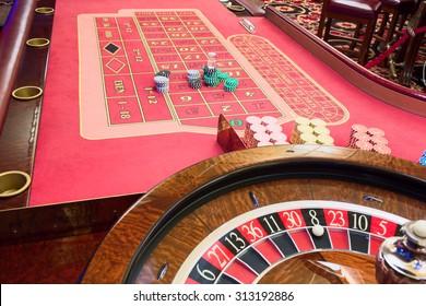 Play roulette americain table petit dejeuner a roulettes