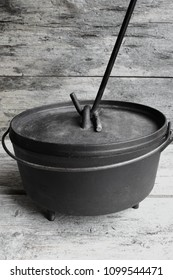 Cast Iron Dutch Oven With Lid Lifter