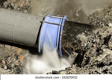cast iron water pipe broken, 400 mm diameter