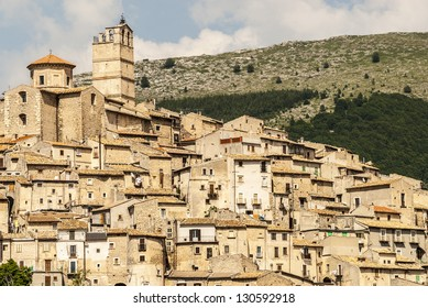Castel del Monte (L'Aquila, Abruzzi, Italy) - Panoramic view at summer