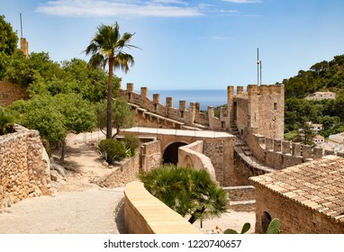 Castell de Capdepera by the sea