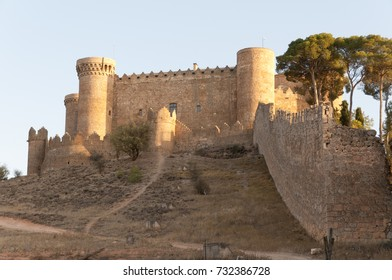 Castillo de Belmonte (castle of Belmonte), a medieval castle on the  village of Belmonte, in the province of Cuenca in Spain.