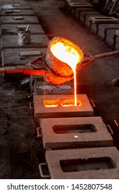 Casting of iron in a craft factory for the preparation of different pieces such as sewer covers