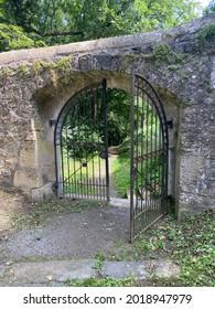 Château Guttenberg avec chapelle en Allemagne en été