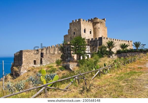 castle-roseto-capo-spulico-calabria-600w