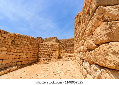 Castle of Sumhuram, Salalah, Dhofar, Sultanate of Oman.  Archaeological site near Salalah in the Dhofar region of modern Oman.