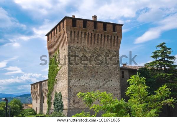 castle-varano-de-melegari-emiliaromagna-