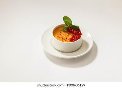 catalan cream with currants, Cream catalan, starred restaurant.
