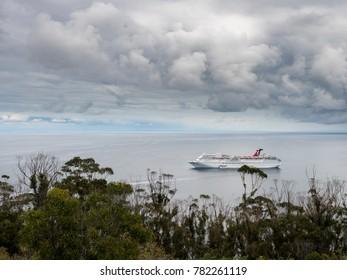 12c695e4b753 Avalon Boat Images