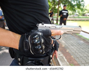 Catch the gun for safety