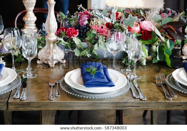 catering flower arrangement retro vintage electric lamp bulb