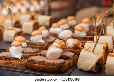 catering food sandwiches