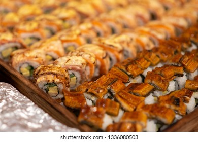 catering sushi in party