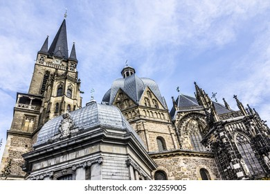 The cathedral of Aachen, Germany, was buildt in the 7th century by Charlemagne