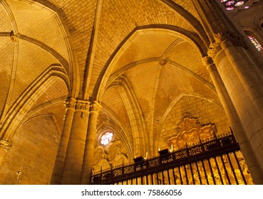 Cathedral ceiling, Leon