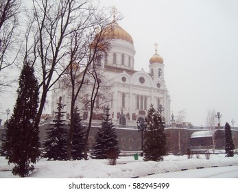the Cathedral of Christ the Savior in winter