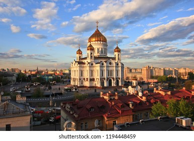 Cathedral of Christ the Saviour in Moscow, sunset
