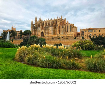 The cathedral La Seu ist the touristic Highlight in Palma de Mallorca, Spain.