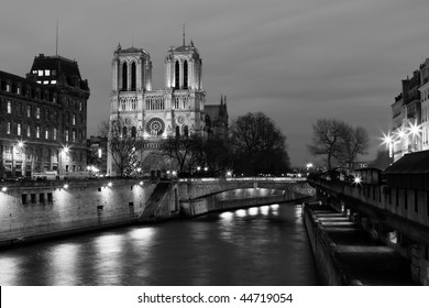 Cathedral of Notre-Dame by night