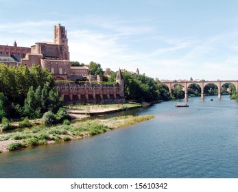 Cathedral and river Tarn - Albi - Region of the Tarn - France