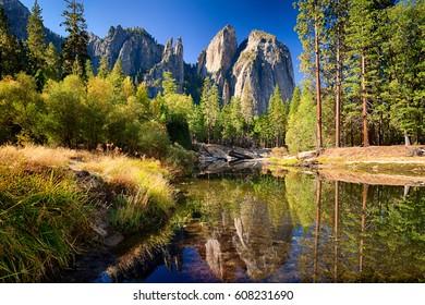 Cathedral Rocks, reflect on Merced River, Yosemite Valley, Yosemite NP,  California, USA