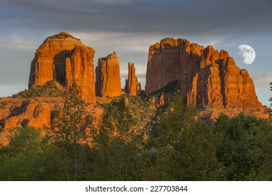 Cathedral Rocks at Sunset with rising moon in Sedona Arizona USA.