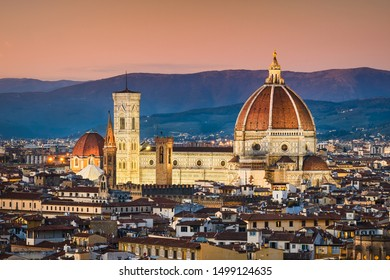 Cathedral Santa Maria del Fiore at night, Florence, Italy