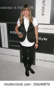 Catherine Hardwicke  at the DIC and Instyle Magazine 8th Annual Awards Season Diamond Fashion Show. Beverly Hills Hotel, Beverly Hills, CA. 01-08-09