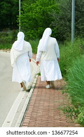 Catholic nuns