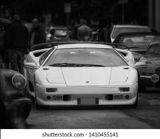 Lamborghini Diablo Images Stock Photos Vectors Shutterstock