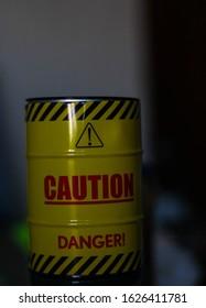 CAUTION DANGER YELLOW BARREL Printed Theme Μetal Home Ashtray Cigarette Smoking
